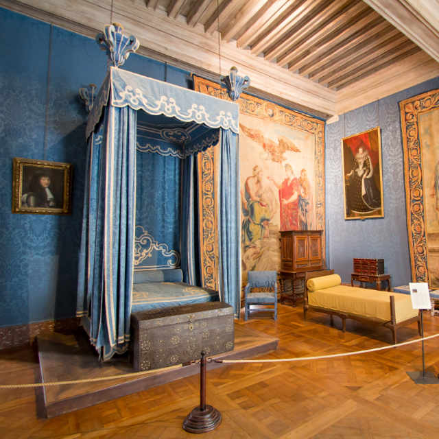 Interior picture of royal bedroom at Chateau Chambord